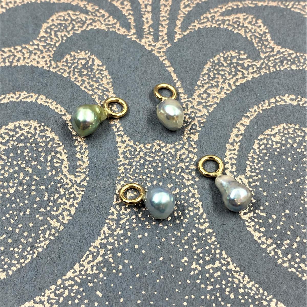 Blåa pärlor, kersipärlor, pärlsmycke