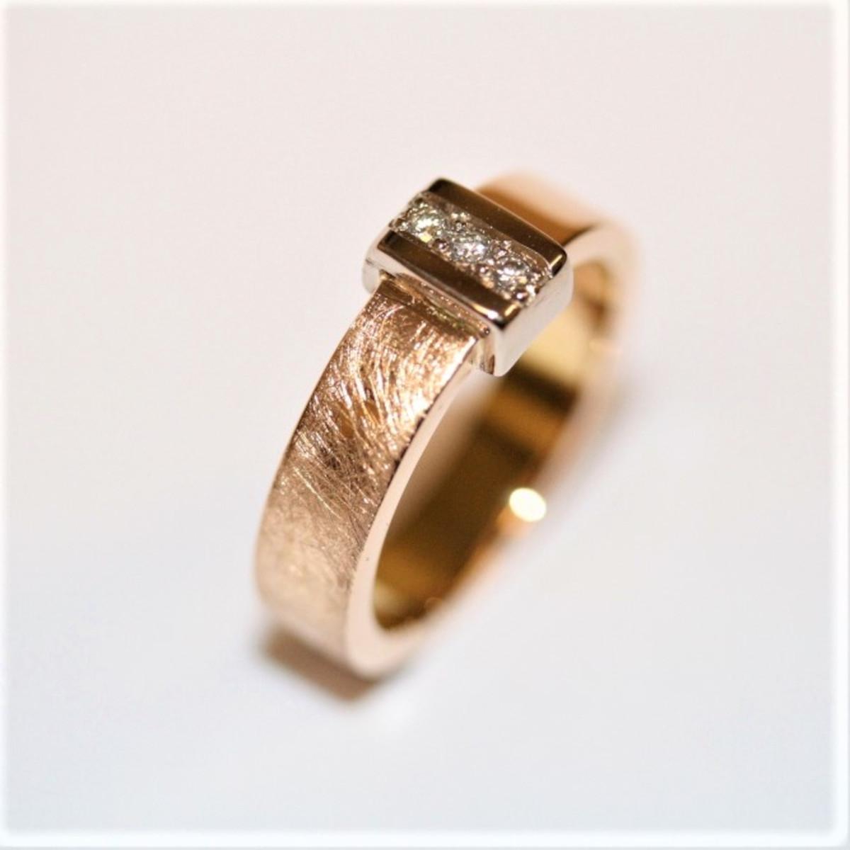 Diamantring, rödguldsring, guldring
