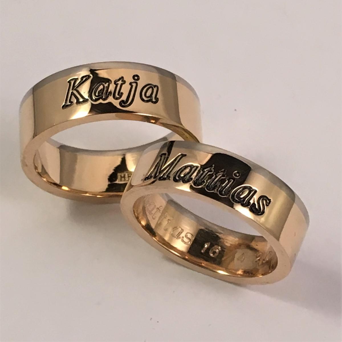 Graverade namn, förlovningsringar, tvågärgade ringar