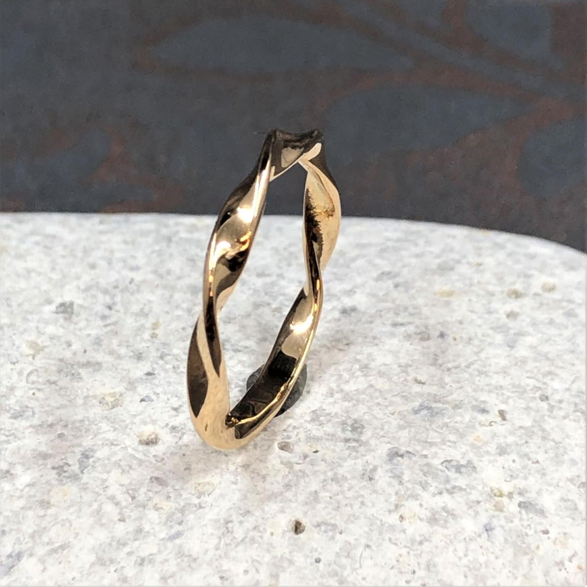 Guldring, vriden ring, tvinnad ring