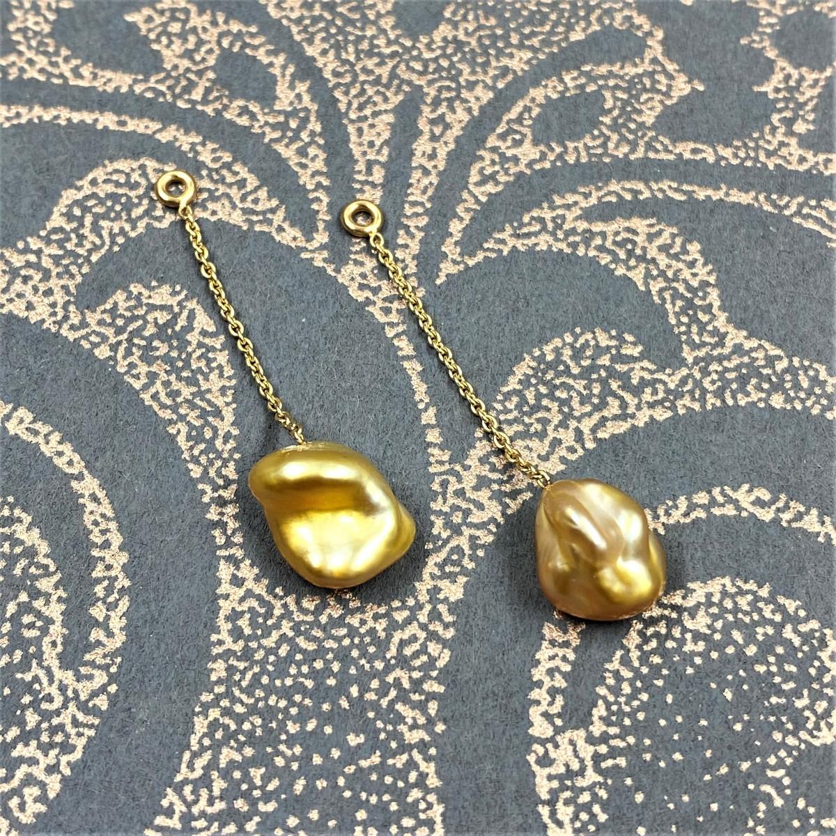 Örhängen, påhängen, gula pärlor