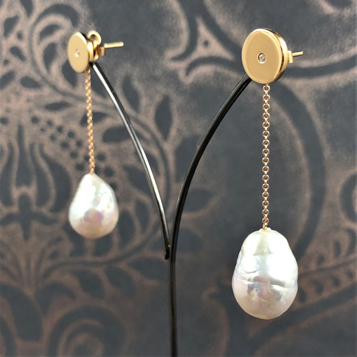 Örhängen, hängande örhängen, pärlörhängen